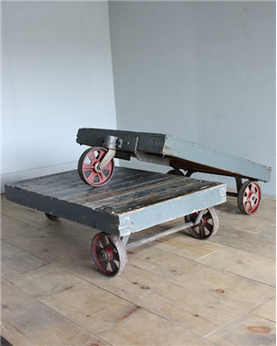 three wheeled low pallet tables